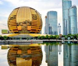 (product) Excursão Privada de 1 Dia em Hangzhou a Partir de Xangai Prédios com design futurista na China